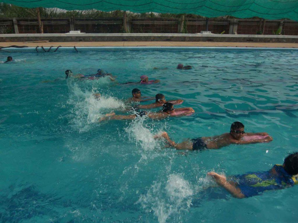 Share-swimming