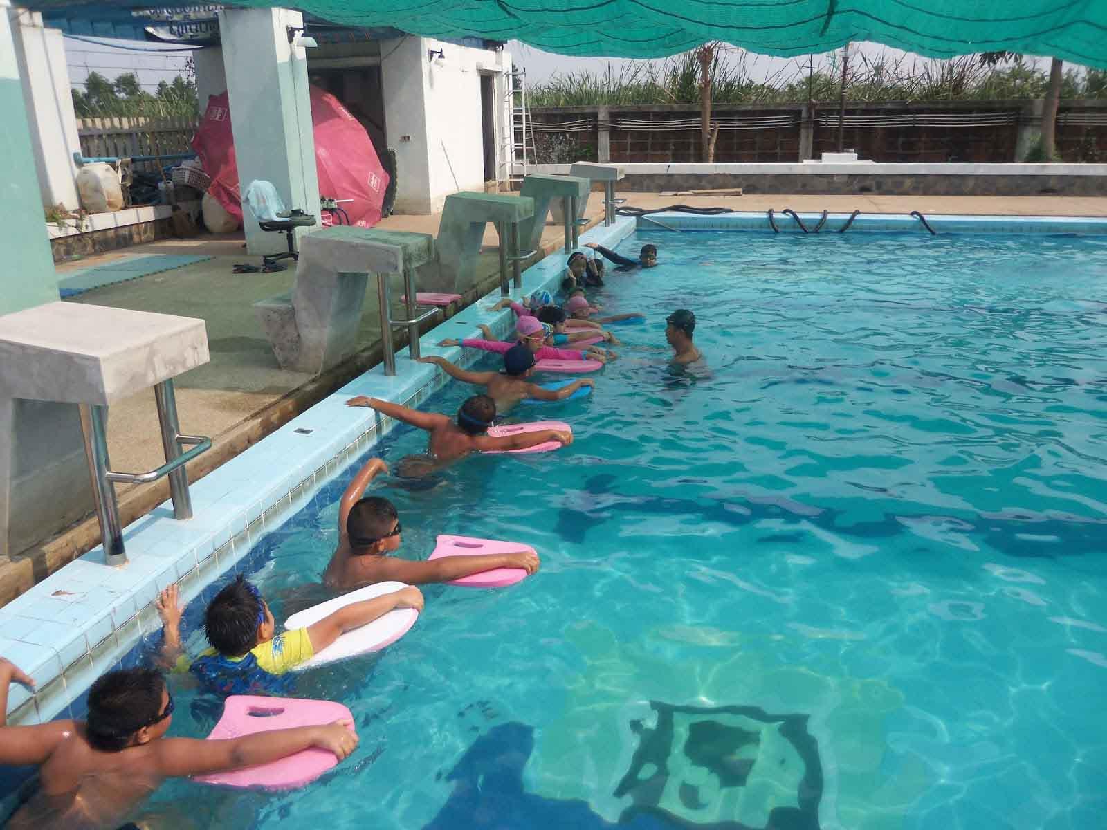swimming_kid